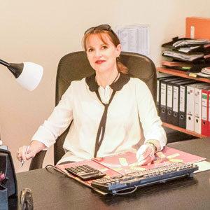 Nos inspecteurs : Murielle Barthélémy à son bureau