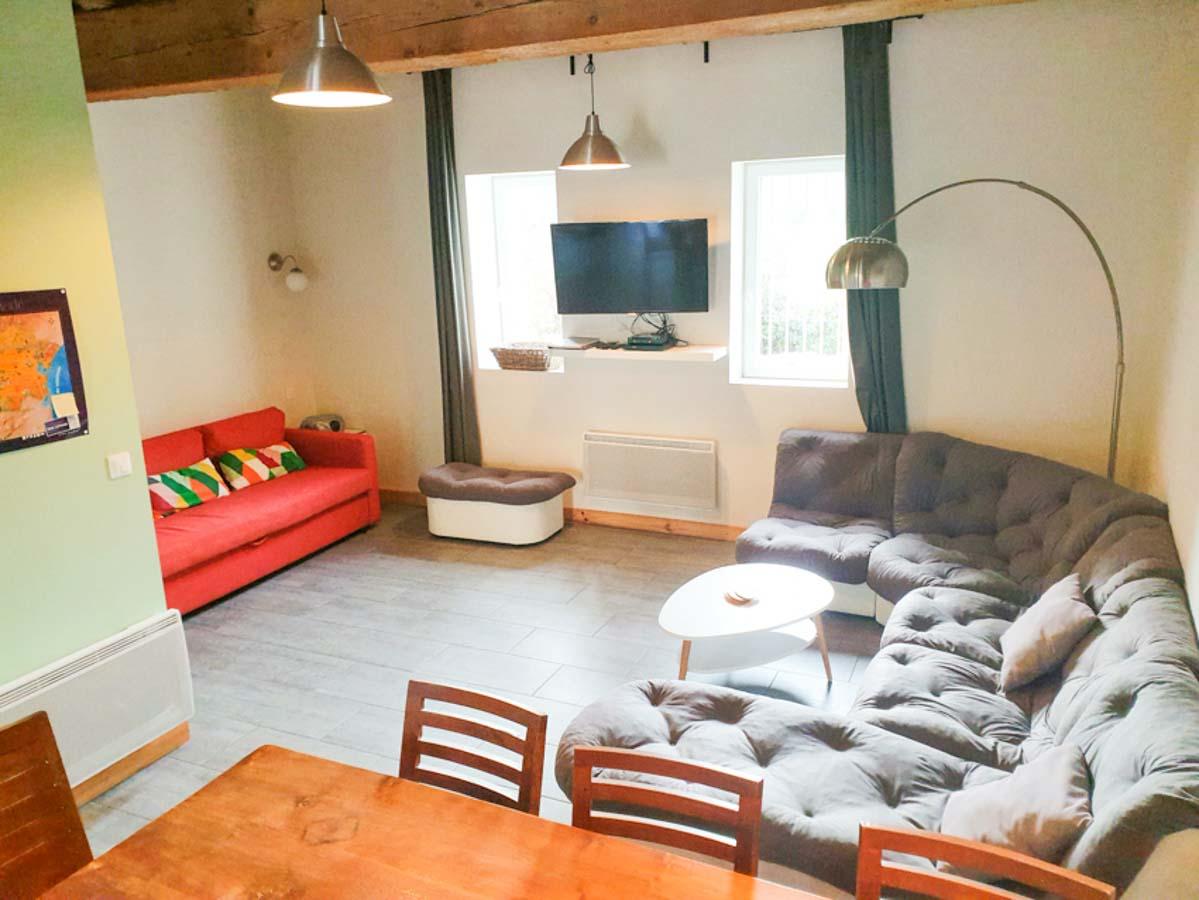Salon salle à manger grand canapé d'angle