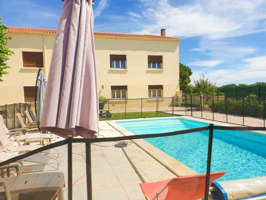 piscine avec maison